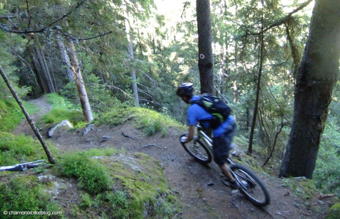 Sandy on said infuriatingly unphotographable trails. To ride though, awesome