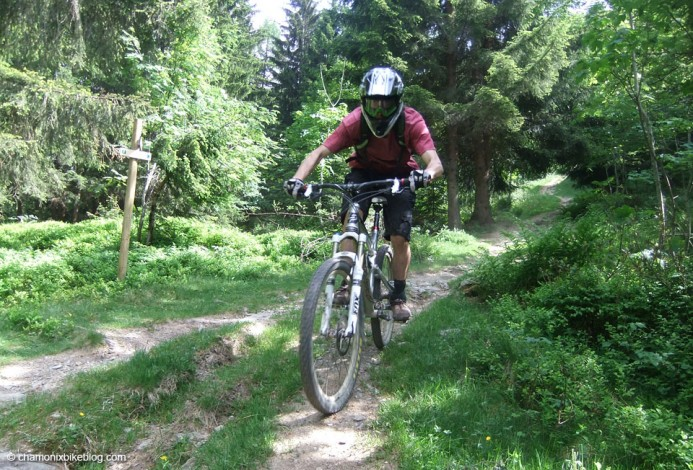 Sandy getting stuck into more Les Houches singletrack
