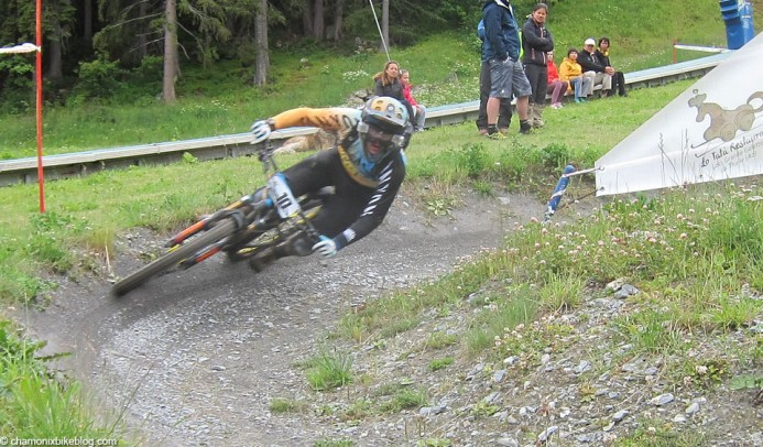Joe Barnes destroying the dual slalom section