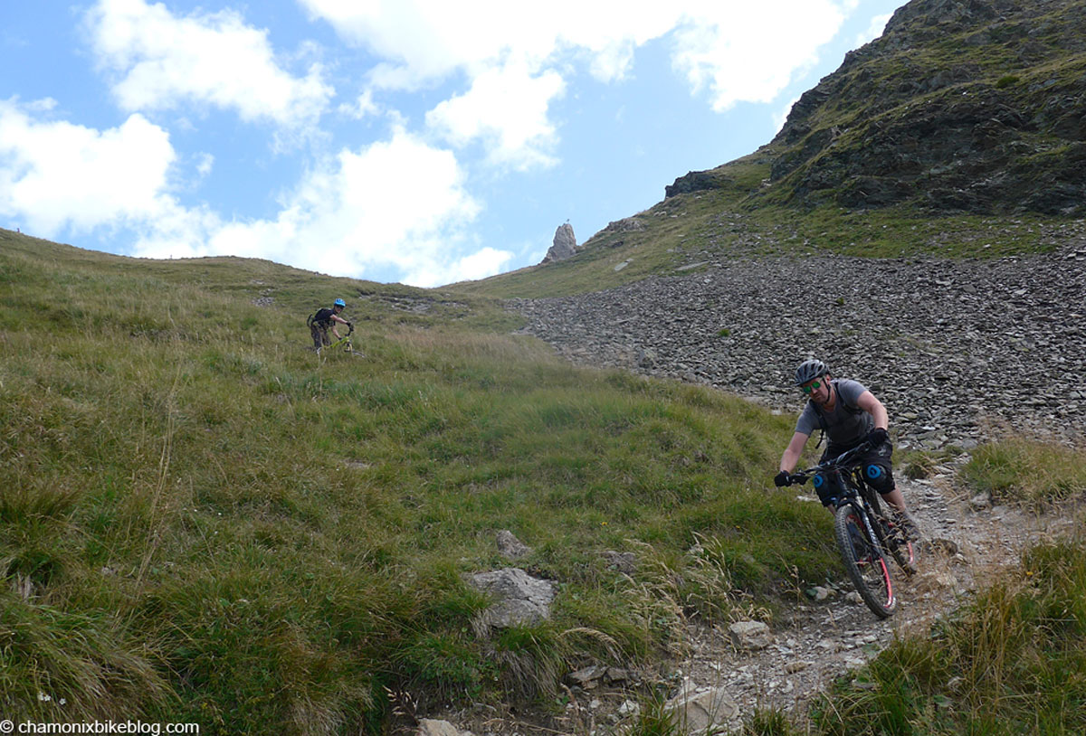 Messing with the image/writing continuity a bit here, but no one will notice. Jump back to Robbie and Tim high on the Col du Tricot descent.