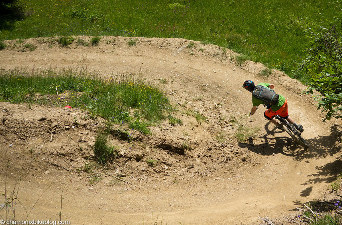 Smashing berms / smashing berms.